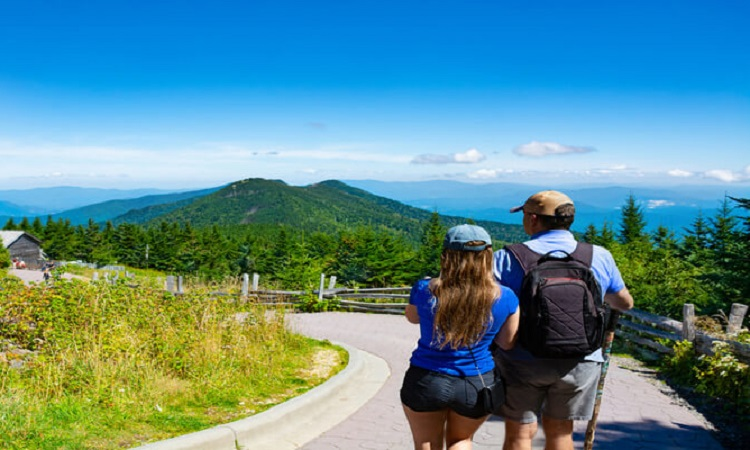 Adventure Vacations For Couples: The 5 Best Spots In The United States