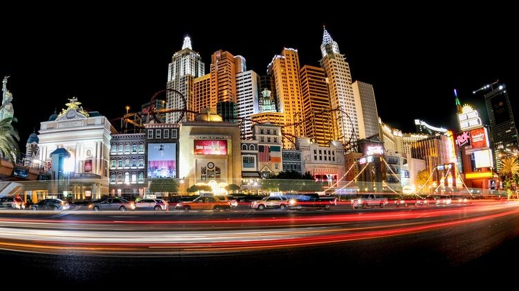 How To Get Around In Las Vegas Without A Car Exploring Sin City On Foot
