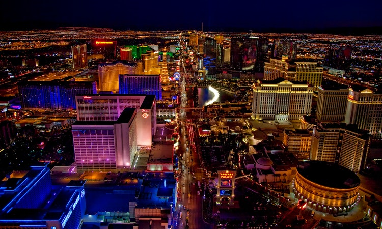 How To Get Married In Las Vegas Everything You Need To Know To Pull Off Your Dream Vegas Wedding