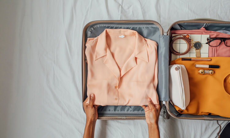 How To Organize Your Bag For Travel Packing Light Tips And Hacks