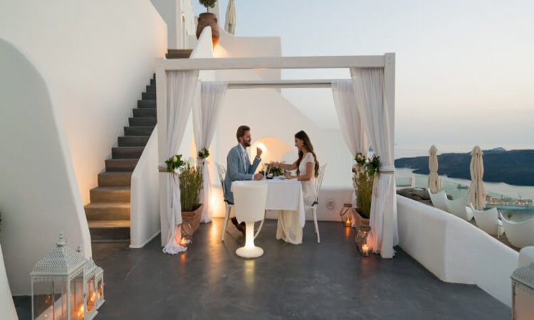 Romantic Hotels For Couples: 3 Lovely Destinations