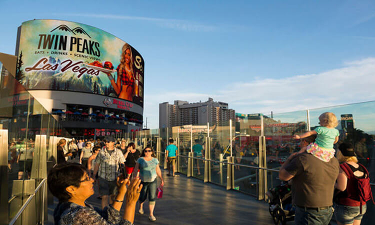 What-To-Do-In-Las-Vegas-With-Kids-–-A-Family-Guide